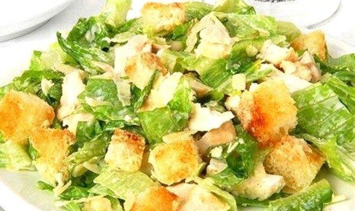 Вкусный салат с курицей и сухариками рецепт с