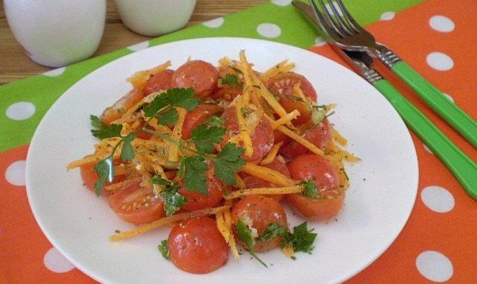 Закуска из помидоров с морковью и чесноком