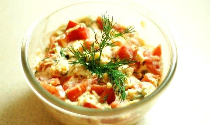 Салат помидоры с сыром и чесноком рецепт