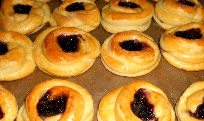 Как приготовить булочки с повидлом в духовке пошаговый рецепт
