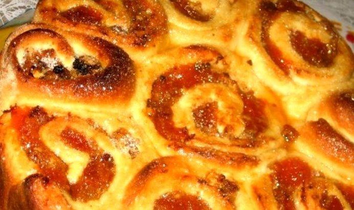 Пирожки с абрикосовым вареньем