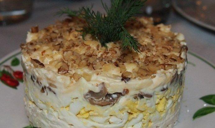 Салат с грибами курицей и орехами рецепт пошагово 198