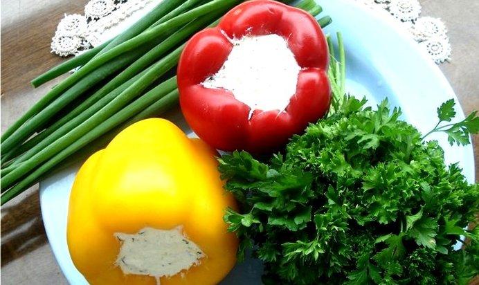 Перец фаршированный сыром и чесноком фото рецепт