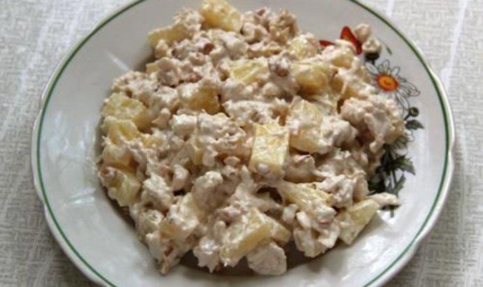 рецепт салата с вареной курицей кукурузой