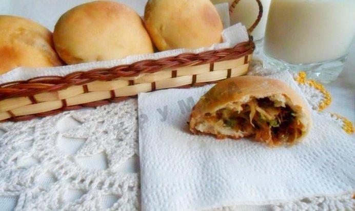 Рецепт дрожжевых пирожков с капустой в духовке с