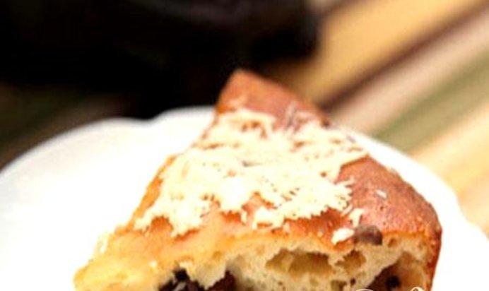 Простой рецепт заливного пирога с грибами