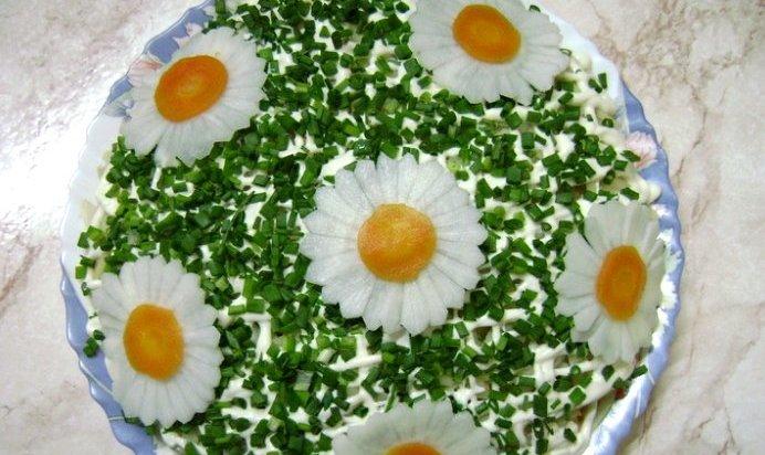 Простенький салат на день рождения с