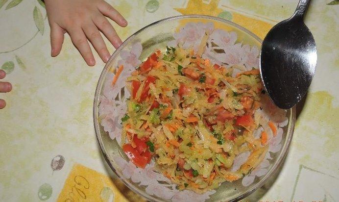 Быстрый простой салат на скорую руку