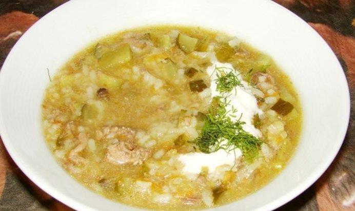 Рассольник с мясом с рисом и солеными огурцами с фото
