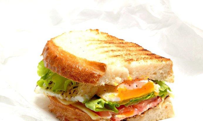 Сэндвич с яйцом и сыром рецепт