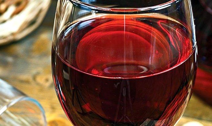 Просто рецепт вина из красной смородины