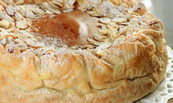 Шарлотка с яблоками рецепт из слоеного теста