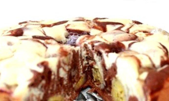 Шарлотка с яблоками и бананами в мультиварке рецепт с фото
