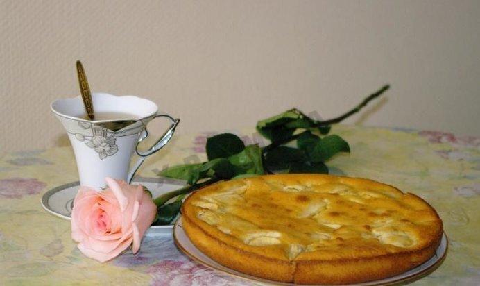 Рецепт шарлотки с яблоками со сметаной простой и вкусный в духовке