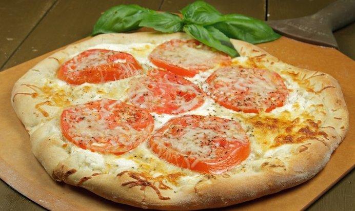 Пицца с помидорами и курицей рецепт пошагово