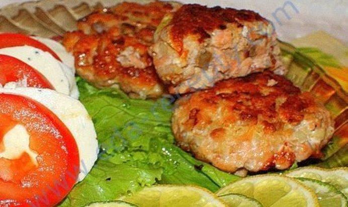 Рецепт рыбных котлет из горбуши с салом