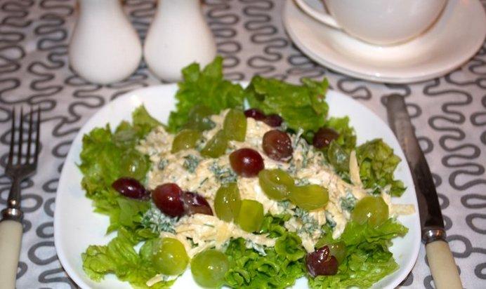 Салаты с сыром и чеснокомы с фото