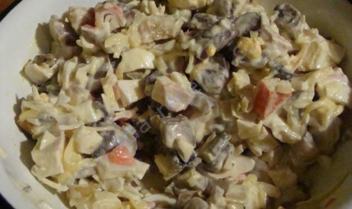 Салат нежность рецепт с с грибами и ананасом