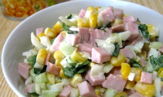 Салат с колбасой и кукурузой рецепт