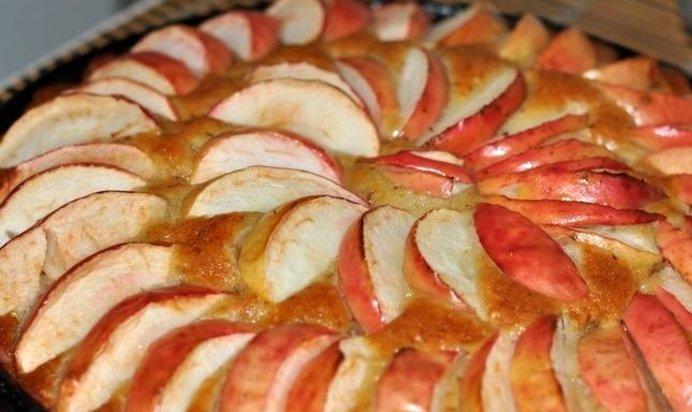 Коврижка с яблоками рецепт с фото