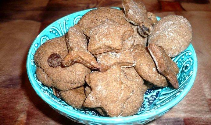 Печенье шоколадное с изюмом