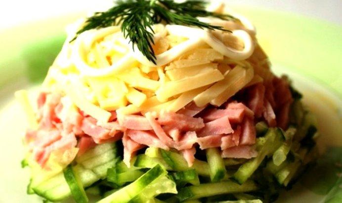 Салат колбаса сыр огурец