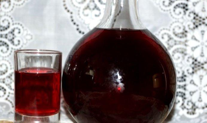 Как сделать настойку из сливы на спирту