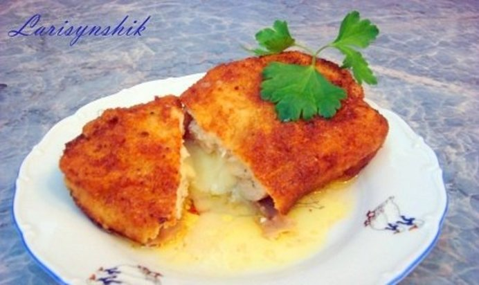 Приготовления куриных котлет с сыром
