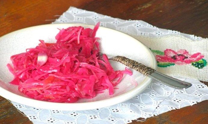 Как мариновать капусту со свеклой быстрого приготовления