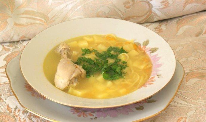 Как приготовить куриный суп из ножек