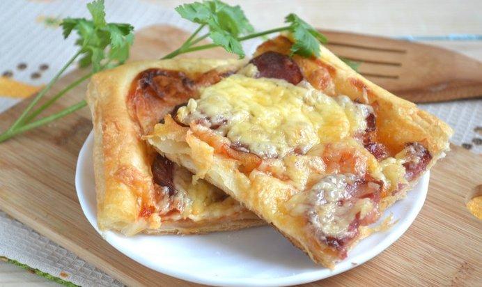 Пицца в духовке на слоеном дрожжевом тесте рецепт в духовке