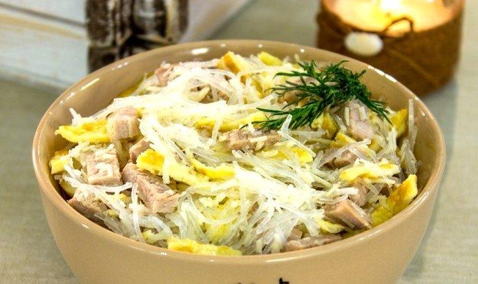 Простой салат со свининой рецепт