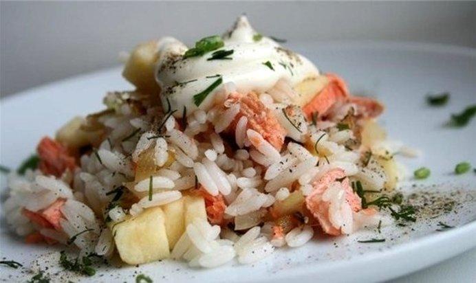 Салат из семги с рисом рецепт