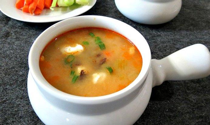 Как приготовить сырный суп с копченостями