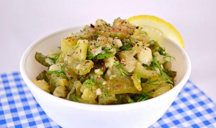 Салат с легким и соленым огурцом рецепт