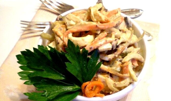 Салат с морковью по-корейски и блинами