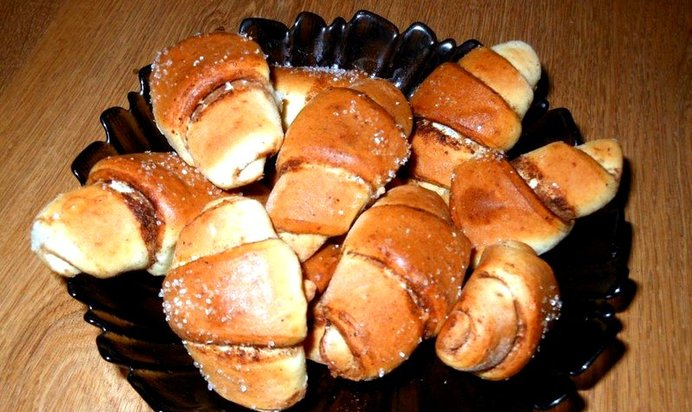 Рогалики с корицей и сахаром рецепт с пошагово