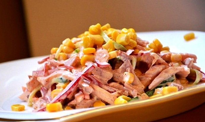 Как сделать салат из копчёной курицы