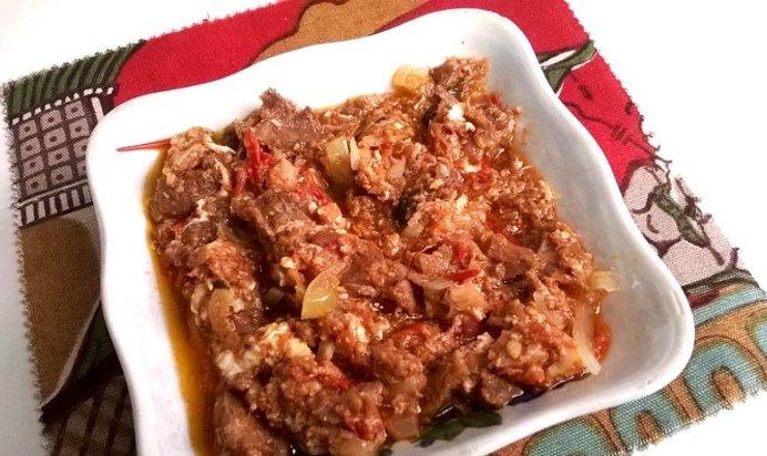 Как приготовить мясо с томатной подливой