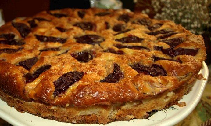 Пирог с яблоками и сливами рецепт с пошагово