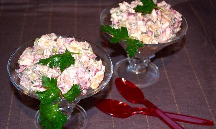 Зимний салат с курицей рецепт пошагово