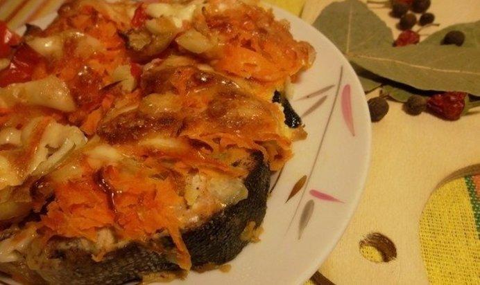 Рыбный пирог с консервой из дрожжевого теста рецепт