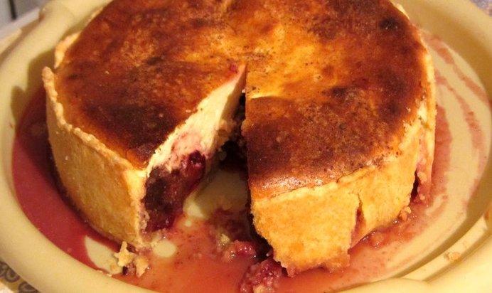 творожный пирог со сливами рецепт с фото