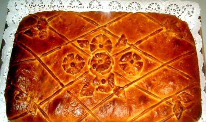 Пирог на дрожжевом тесте с мясом и картошкой в духовке рецепт с