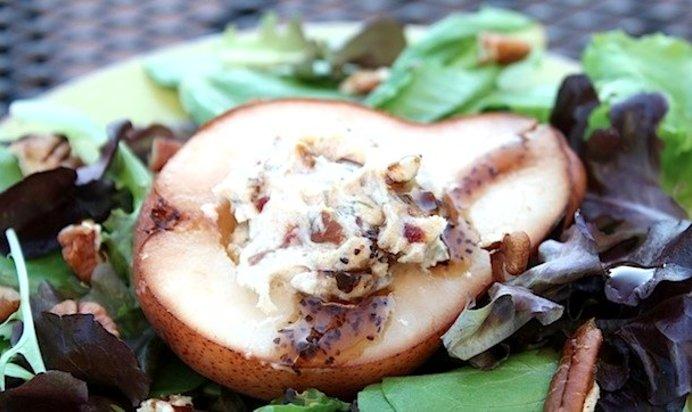 Рецепт креветка в груше с сыром