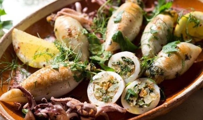 Запеченные фаршированные кальмары рецепты