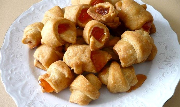 Л., соль — щепотка, сахар, ванилин, орехи, сухофрукты, соль, базилик (или другие травы), рецепт приготовления печенья на рассоле.
